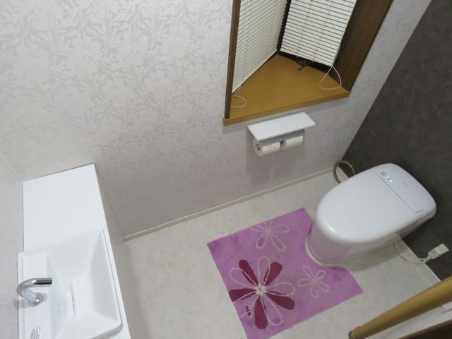 丸みのあるタンクレストイレ&オシャレな手洗いに交換