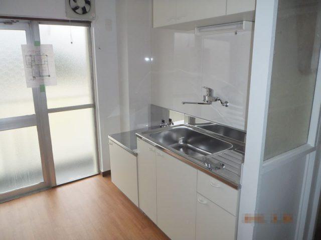 賃貸マンションに最適なベーシックな機能をまとめたキッチン