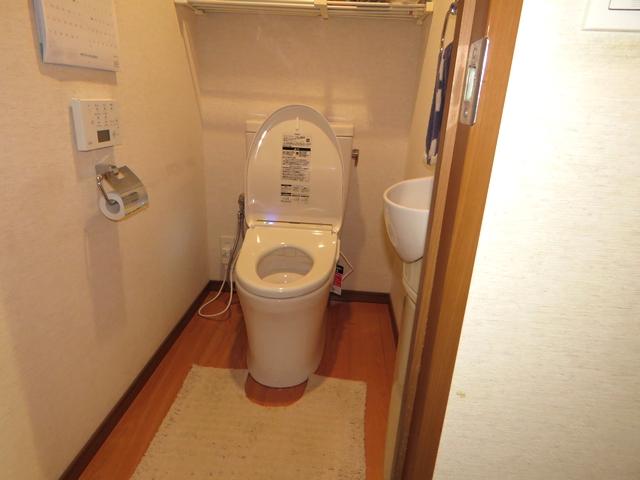 マンションのトイレを「ピュアレストQR」&「アプリコット」に交換