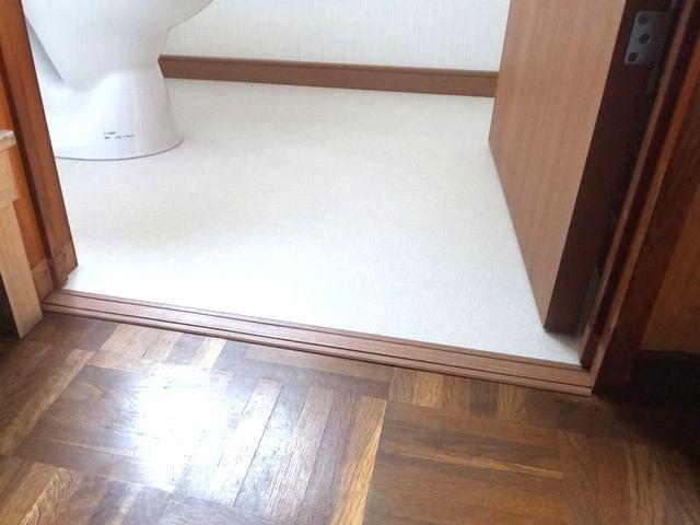 介護保険を利用したトイレ改修に伴う入口段差の解消