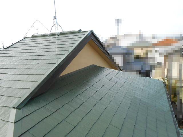 経年劣化した屋根が高圧洗浄と塗装で綺麗に復活